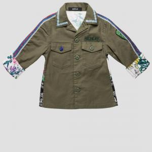 Camicia verde militare con stampa fiori e fantasia multicolore