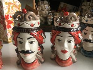 Teste di moro in ceramica dì Caltagirone h16