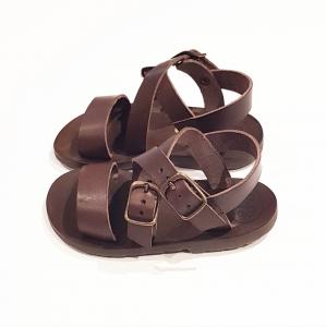 Sandali marroni con fibbie