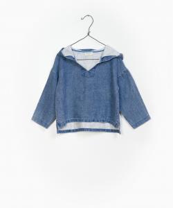 Camicia blu con cappuccio