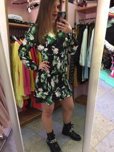 Mini abito fiori con drappeggi 2 colori