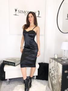 abito Megan tubino lungo in tessuto tipo raso elasticizzato con coppe a corpetto made in italy