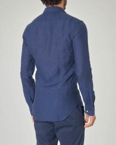 Camicia blu in lino con collo francese