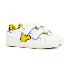 Scarpe bianche con sagoma Topolino gialla