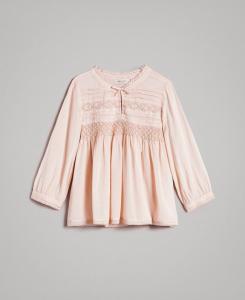 Camicia rosa con ricami e pizzo
