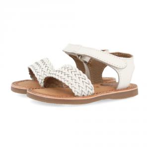 Sandali bianchi con suola marrone e velcro