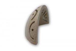 Applique in pietra leccese con fori curvi - lampada da parete in pietra
