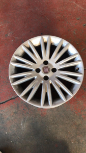 Cerchi in lega usati originali Fiat Bravo R16 serie dal 2009>