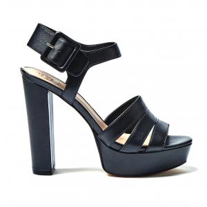 Sandalo nero Guess