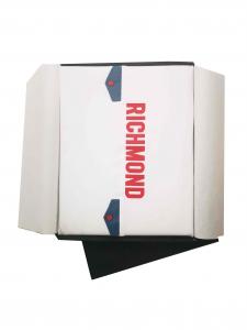 Coperta bianca con stampa logo rosso