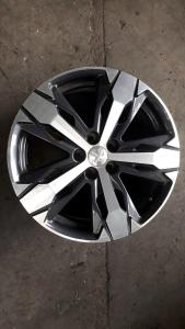 Cerchi in lega R18 usati originali Peugeot 3008