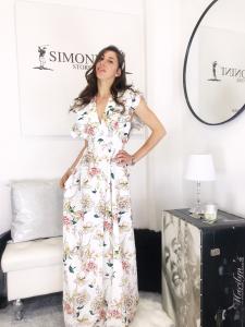 Abito Camilla abito lungo smanicato con lavorazione su spalla a volant in fantasia floreale  made in italy