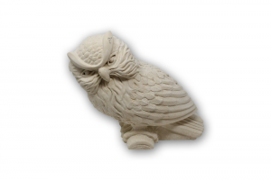 Statua gufo da tavolo in pietra leccese lavorato a mano