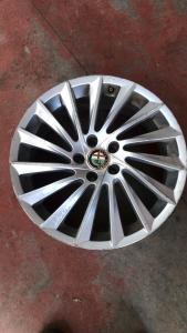 Cerchi in lega R18 usati originali Alfa Romeo Giulietta
