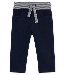 Pantalone blu con vita a righe blu e bianche