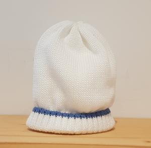 Cappello bianco con riga blu