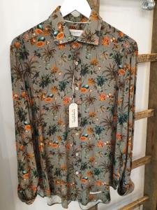 Camicia in fantasia floreale, viscosa. Tintoria Mattei 954