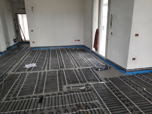 Impianto radiante per  riscaldamento  a pavimento  :  comfort  abitativo  e risparmio  energetico   .................  prezzo € / mq