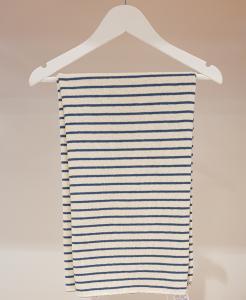 Coperta panna con righe azzurre