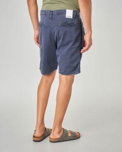 Bermuda blu chino con doppia pinces e banda