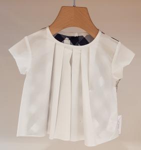Blusa bianca con pieghe