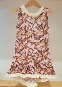 Vestito rosa con stampa giraffe