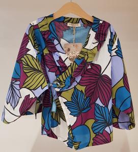 Kimono con stampa foglie multicolore