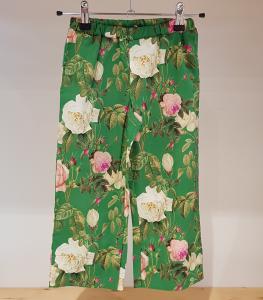 Pantalone verde con stampa fiori