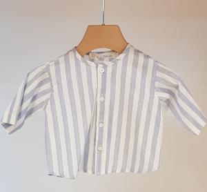 Camicia a righe bianche e celesti con colletto coreano