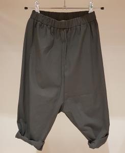 Pantalone antracite con vita elasticizzata
