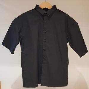 Camicia nera a maniche corte
