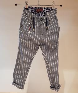 Pantalone blu chiaro con righe bianche