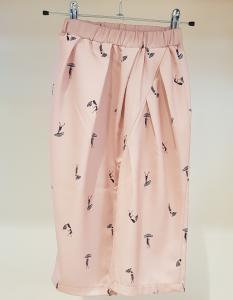 Pantalone rosa con stampe persone e ombrelli, S-L