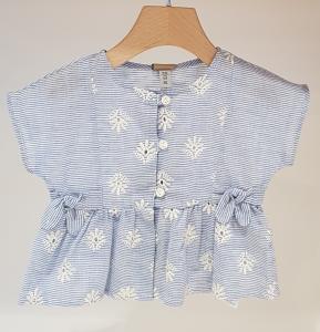 Blusa a righe celesti e azzurre con ricami fiori latte