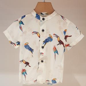 Camicia bianca con stampa pappagalli e tucani