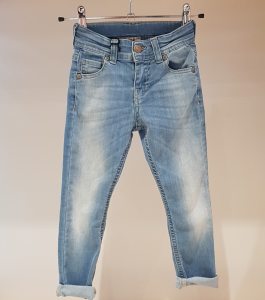 Jeans effetto consumato