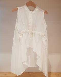 Camicia bianca smanicata con colletto coreano
