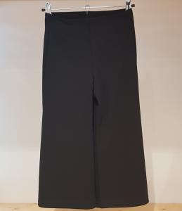 Pantalone nero ampio