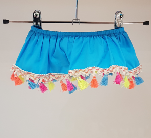 Costume da bagno turchese con nappe multicolore