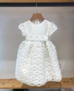 Vestito bianco da cerimonia con fiori e cinta