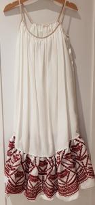 Vestito bianco con ricami bordeaux