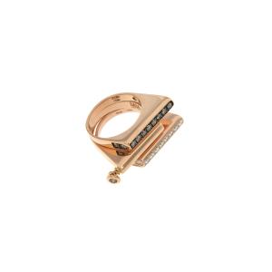 Composizione anelli in oro rosa e diamanti