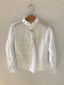Camicia bianca a maniche lunghe con colletto coreano