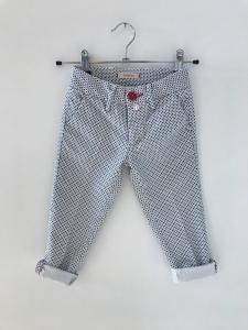 Pantalone bianco con stampe rombi e pois blu