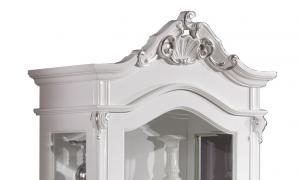 Vetrina con intaglio e decorazione in foglia