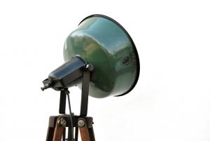Lampada vintage Bauhaus su cavalletto