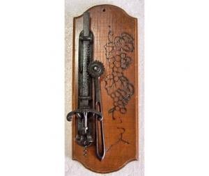 Apribottiglie a vite da parete in legno e metallo
