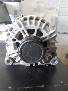 Ford Mondeo alternatore 180 ah ds710300kd
