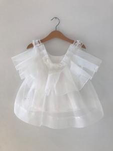 Top bianco con tulle bianco trasparente