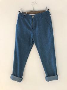Pantalone blu effetto jeans